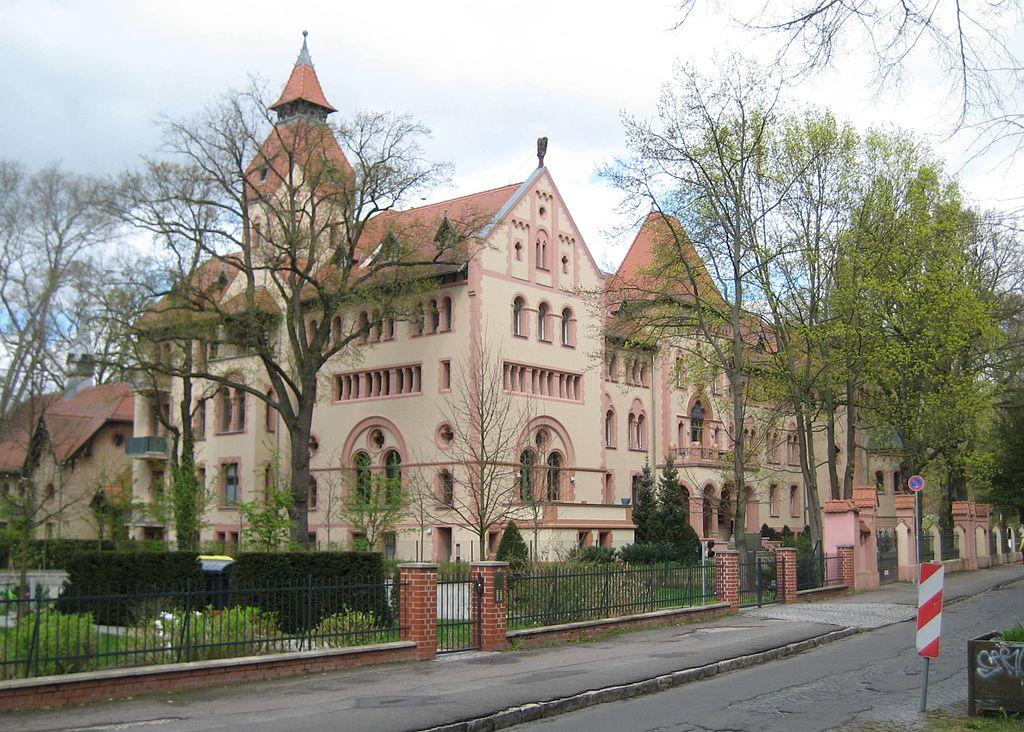 Palác císařovny Augusty v Potsdamu, do r. 1994 západoevropská centrála GRU, Giorgio Michele