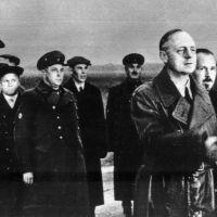 Putin není žádný hobby-historik, popohání jen historické chrastění šavlí