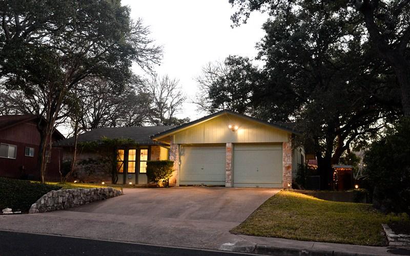 2601 Redleaf Lane Austin, TX 78745 Front Sidewalk