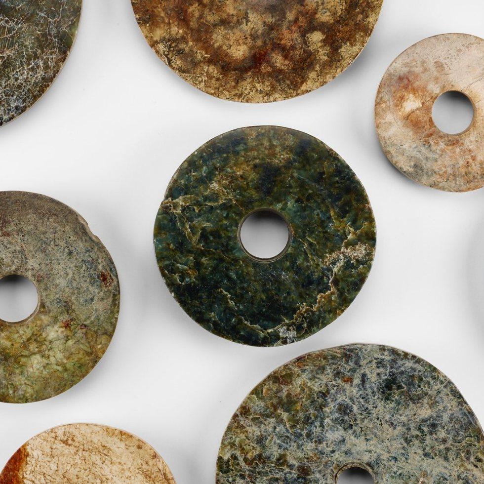 collection of jade disks (bi 璧)