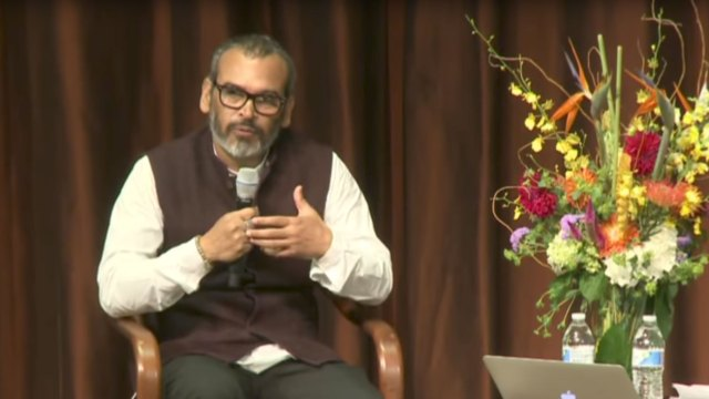 Subodh Gupta speaks at the Meyer Auditorium
