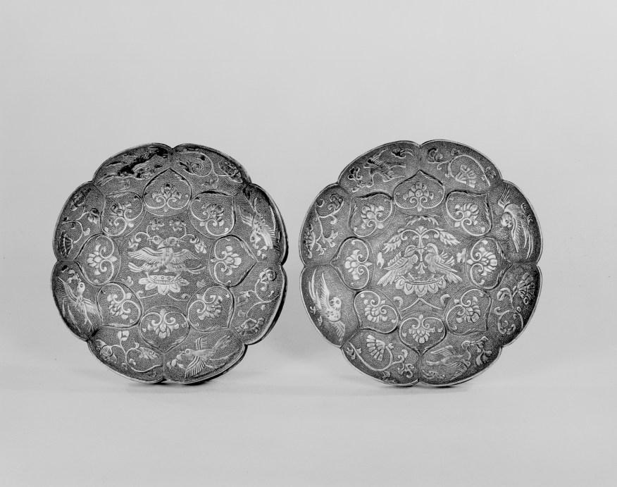 Photo of Covered round gilt silver box. Tang dynasty, 7th century., Diam: 9.5 cm. (3 3/4 in.). Singer catalogue number: [1426].