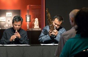Bao Jian on guanzi (double-reed) and Hu Jian-Bing on sheng (mouth organ)