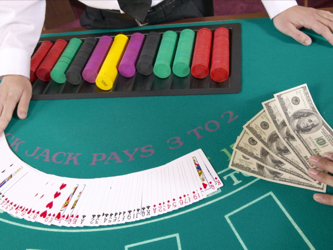 What's the difference between a recreational gambler and a trader