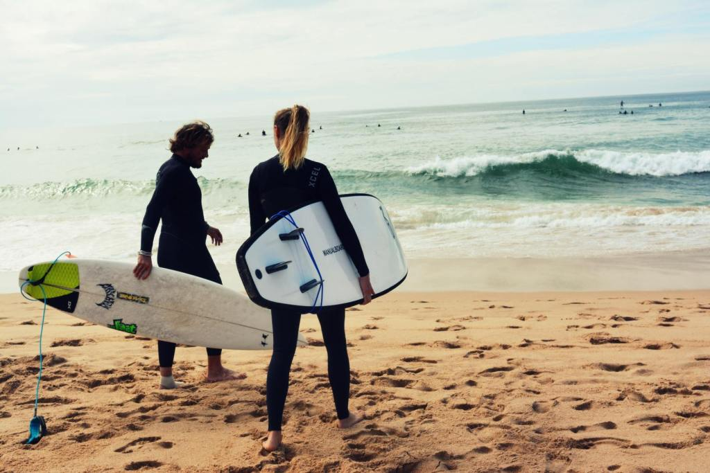Surfing-Equipment-surfboard-surfing-wetsuit-beach-surface-water-sports-1516003-pxhere.com