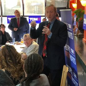 @tomsteyer speaking to a group of latino voters…