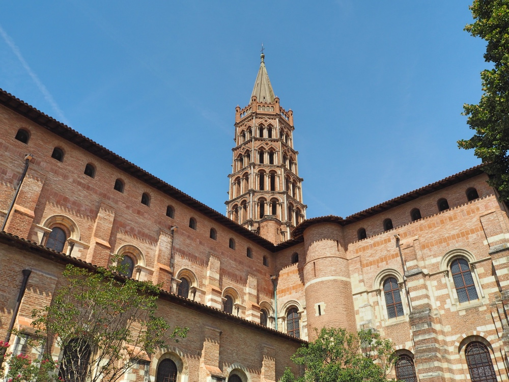 A side picture of the Basilique.
