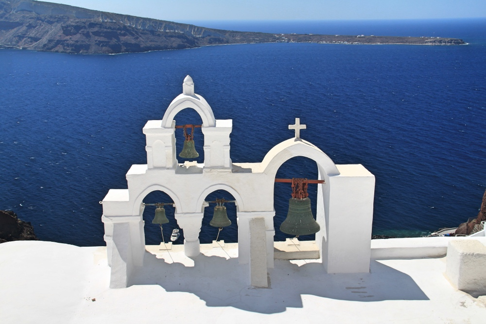 White church snd Blue caldera. Just beautiful!