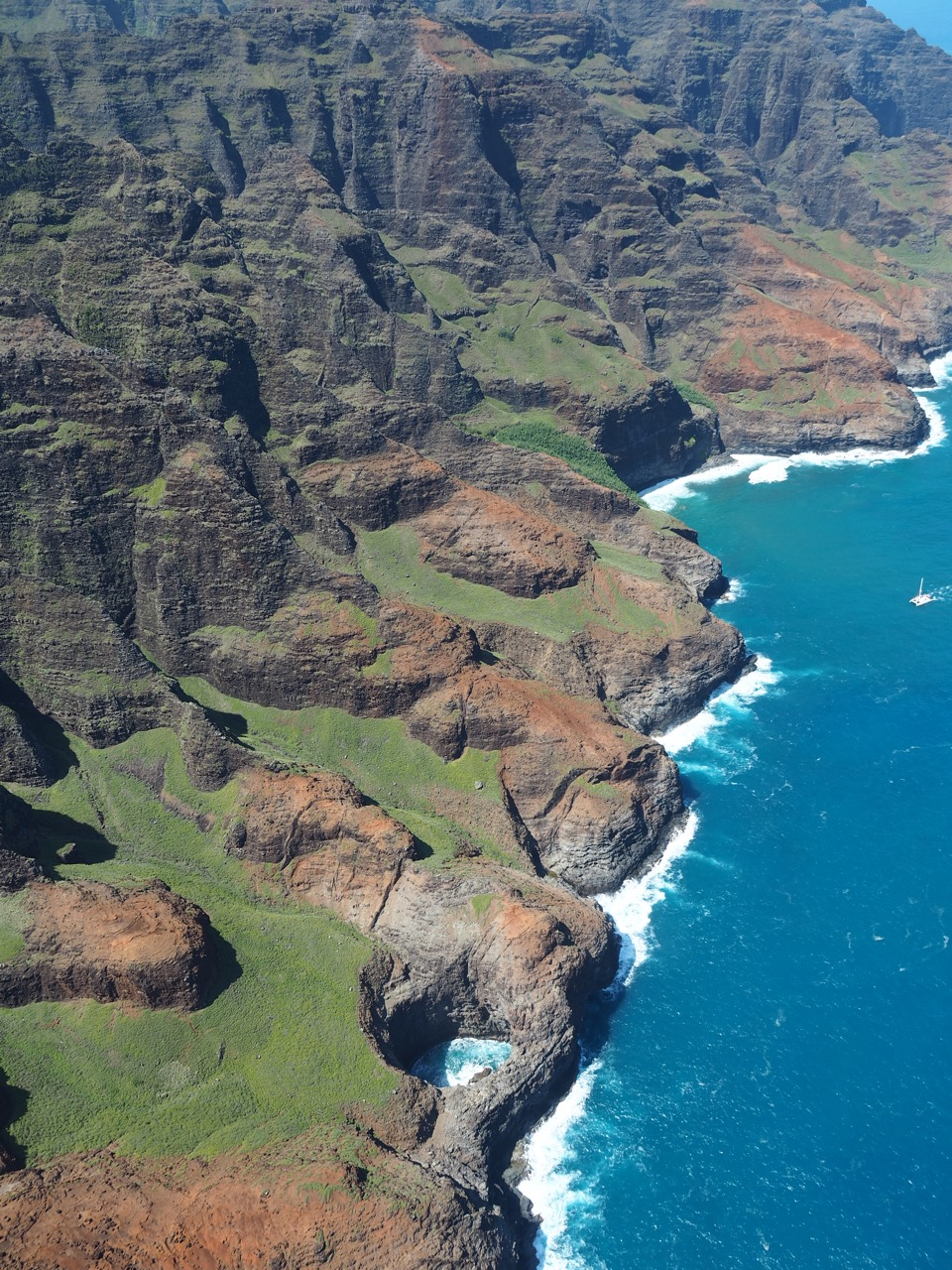 Three Ways to Experience the Nā Pali Coast - Free Two Roam