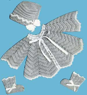 This free pattern originally published by Doreen Knitting Books, in Baby Gems, Volume 100, in 1950.