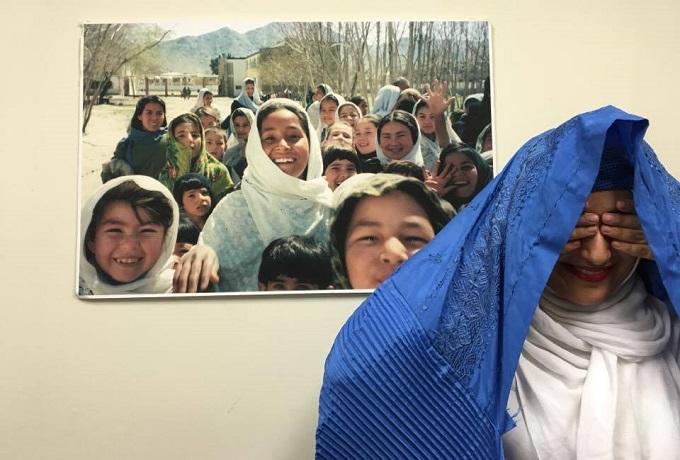 afghan-Woman-burqa-afghanistan