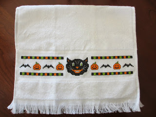 scary cat free halloween cross stitch