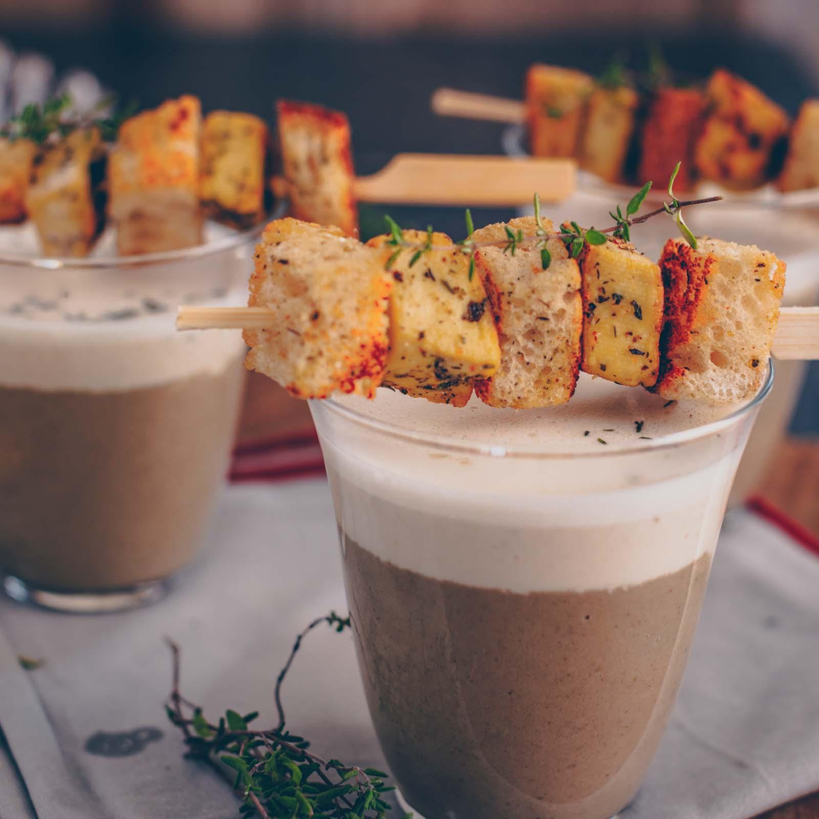 Vegane Weihnachtsvorspeise: Pilz-Cappucchino