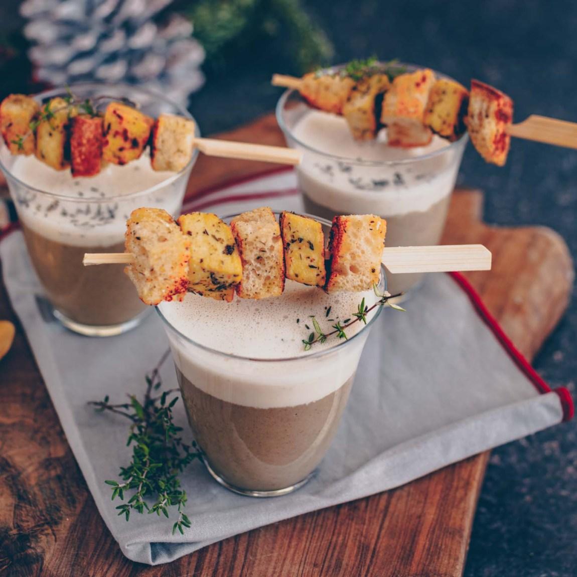 Weihnachtsvorspeise: Pilz-Cappucchino