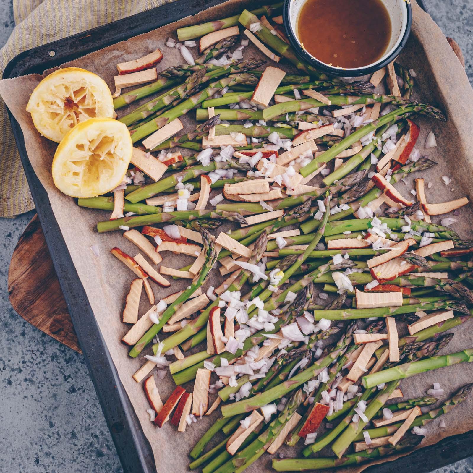 Cremige Frühlingspasta mit Spargel und Tofu