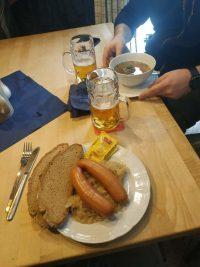 Essen in der Kösseinehütte