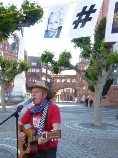 Global Protest Day in Frankfurt - Guy Dawson