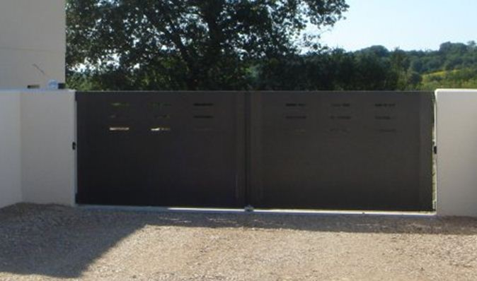 portail battant aluminium portail aluminium sur mesure portail alu coulissant