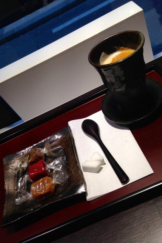 Henri le Roux - Paris: café com seleção de caramelos