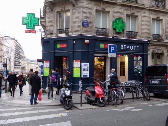 Paris_compras_pharmacie_monge
