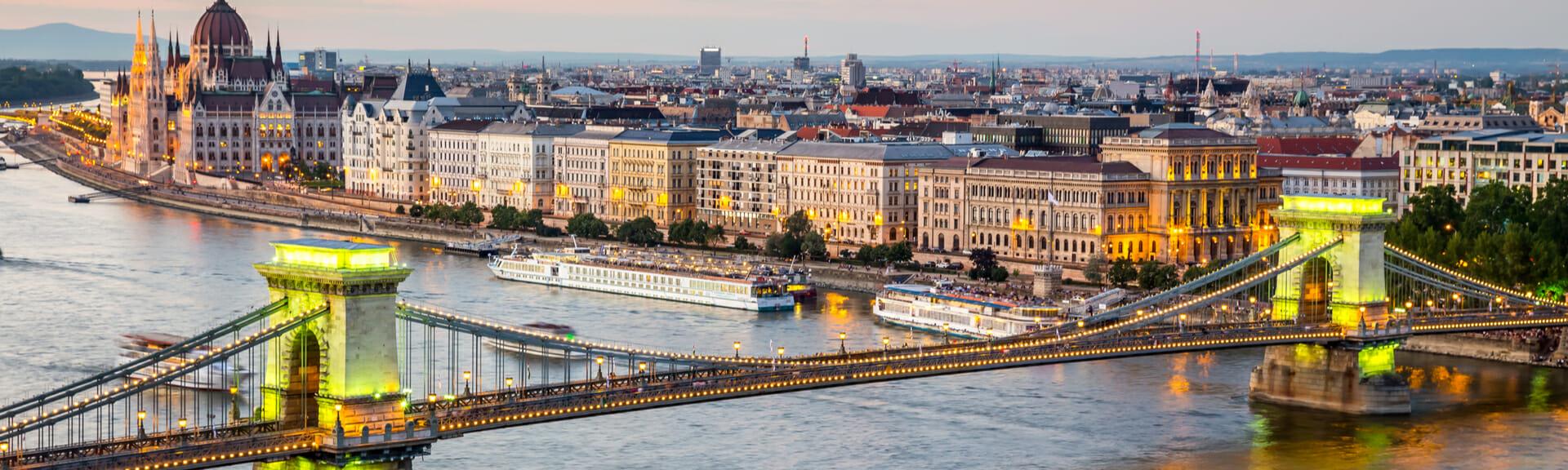 Klassenfahrt Budapest Kettenbrücke und Stadtansicht