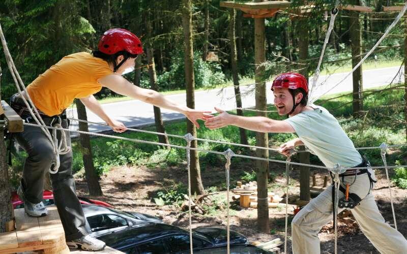 Klassenfahrt Trier Adventure Forest Baumklettern