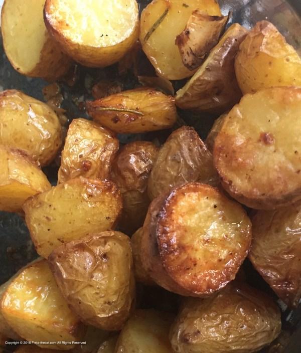 🌱 Rosemary Baked Potatoes