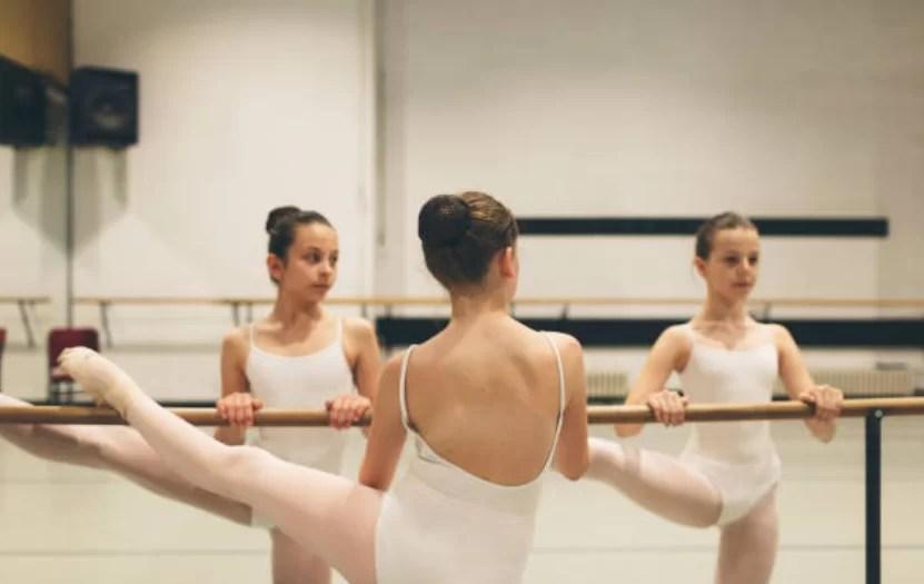 バレエで胸を小さくみせる方法:レオタード選び編
