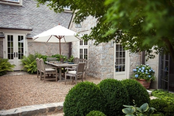 outdoor living pea gravel patio