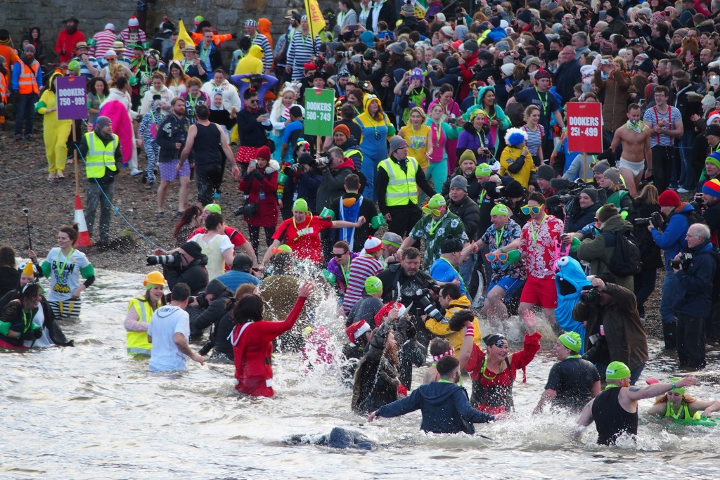 loony dook south queensferry