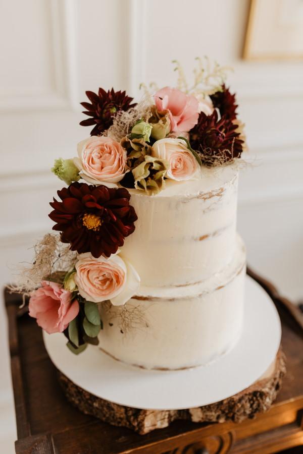 Gâteau de mariage nu français
