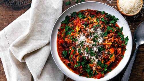 Tomaten-Gemüse-Eintopf mit Bio-Hackfleisch für 4 Personen