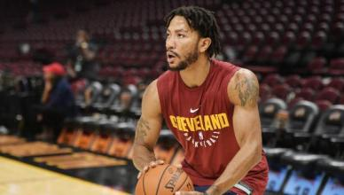 Derrick Rose May Walk Away From $80M Shoe Deal