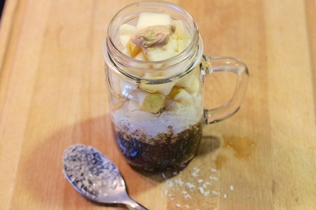 chiasamenpudding-mit-kokos-und-birne-rezept1