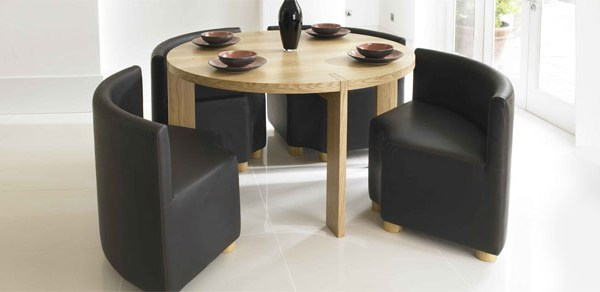 Alfresco circular dining table and chairs