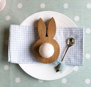 Quirky and fun Easter egg cup ideas