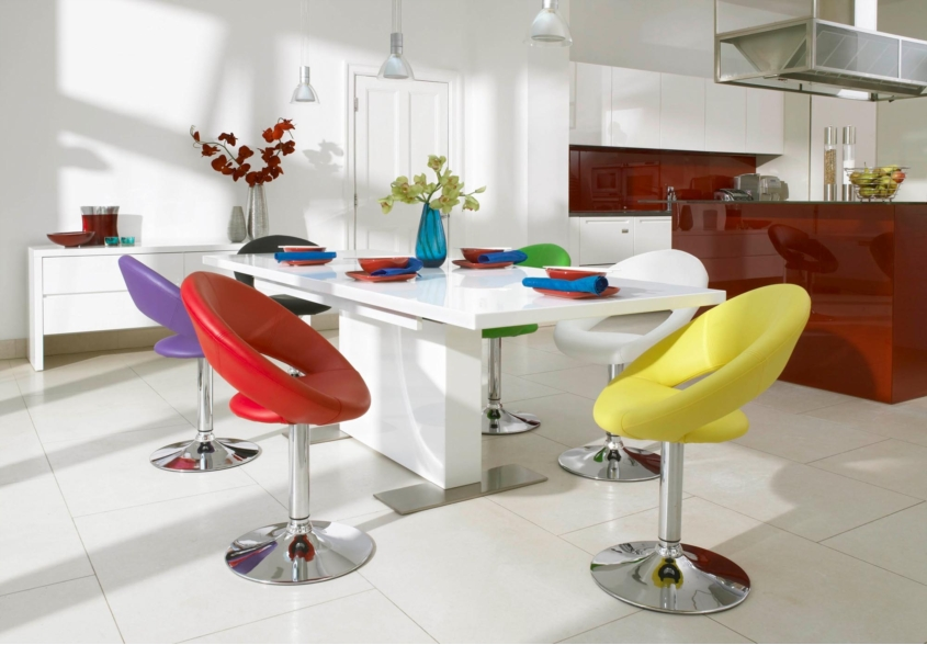 Funky Tank Dining Table And Chairs From Furniture Village