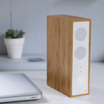 Wireless slimline bamboo bluetooth speaker