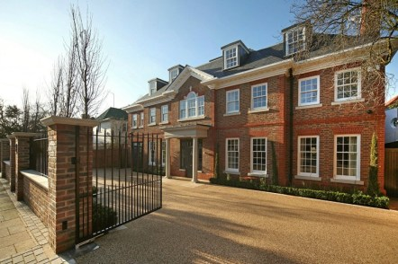 Modern and contemporary property for sale