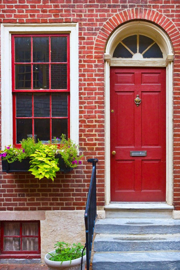 How to Choose the Perfect Colour for your Front Door