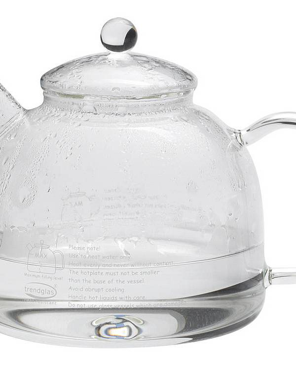Watch water boil in an easy to clean glass kettle