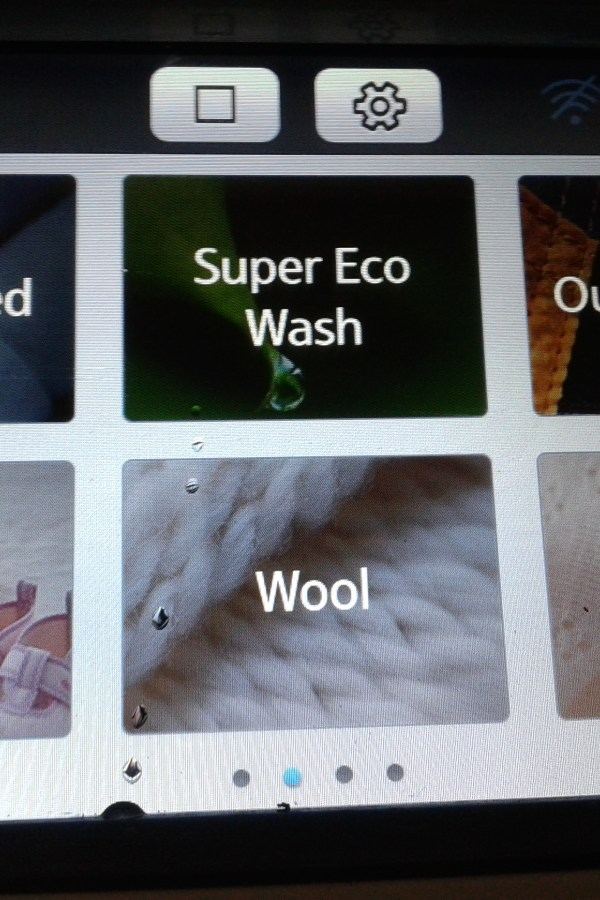 In-depth product review: The new Samsung WW9000 Ecobubble touchscreen washing machine