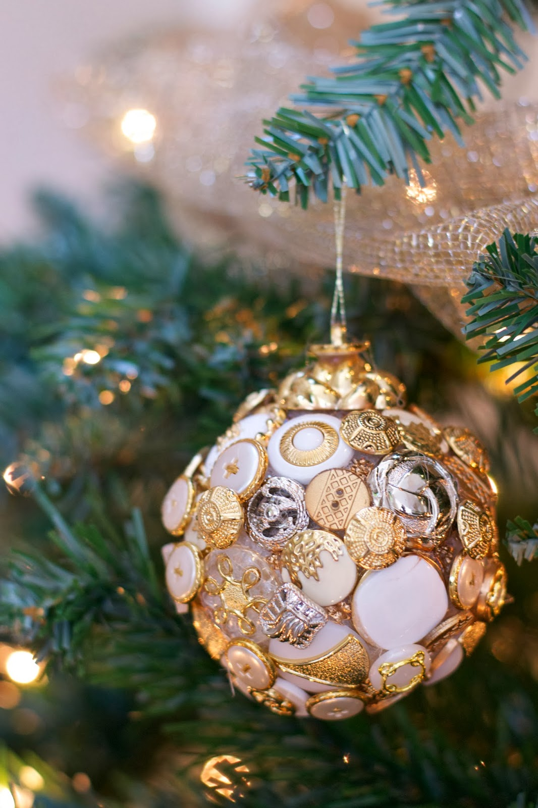 10 Quick And Easy Diy Christmas Tree Decorations