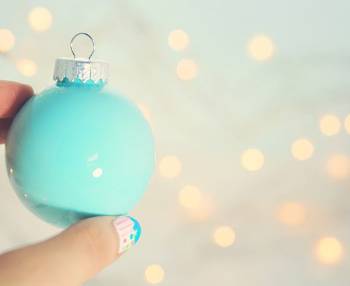 How to make your own Christmas baubles, simply and easily