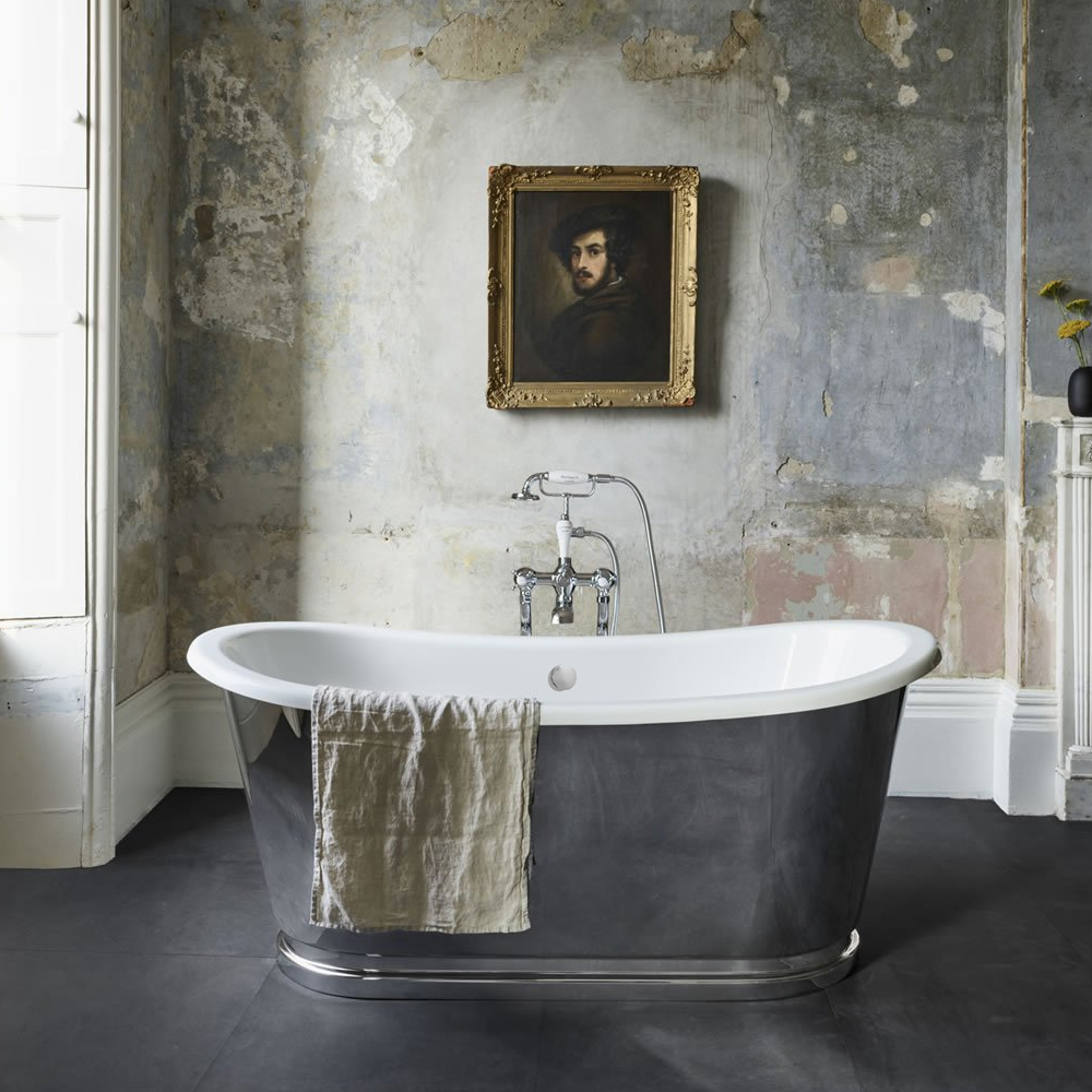 This stunning stainless steel freestanding bath is sure to prove a winner in your bathroom! Imagine sinking down into here for a long soapy soak...