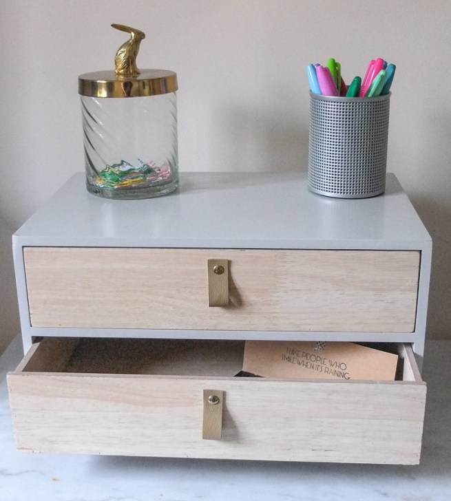 Love this mini set of drawers that can be used on a tabletop or desk - perfect for storing stationery in
