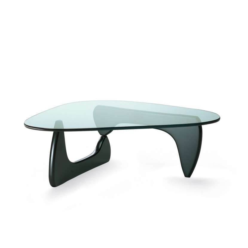 Love this classic Noguchi coffee table and its sculptural design