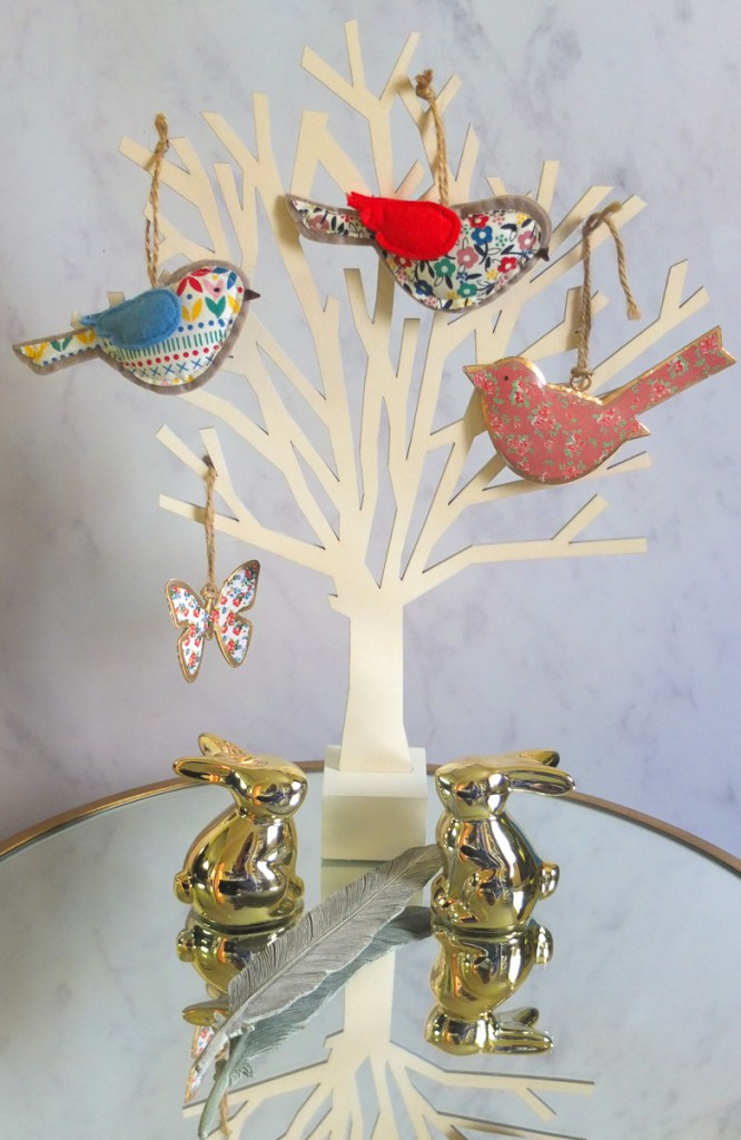 Why not have a mini Easter tree? It's a cute decoration and could be used as a focal point for your Easter table.