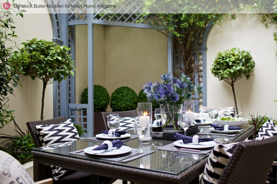How to style a formal outdoor garden party table