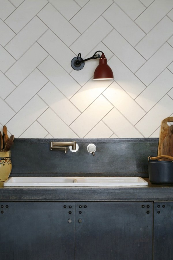 Create an easy kitchen splashback with KitchenWalls wallpaper
